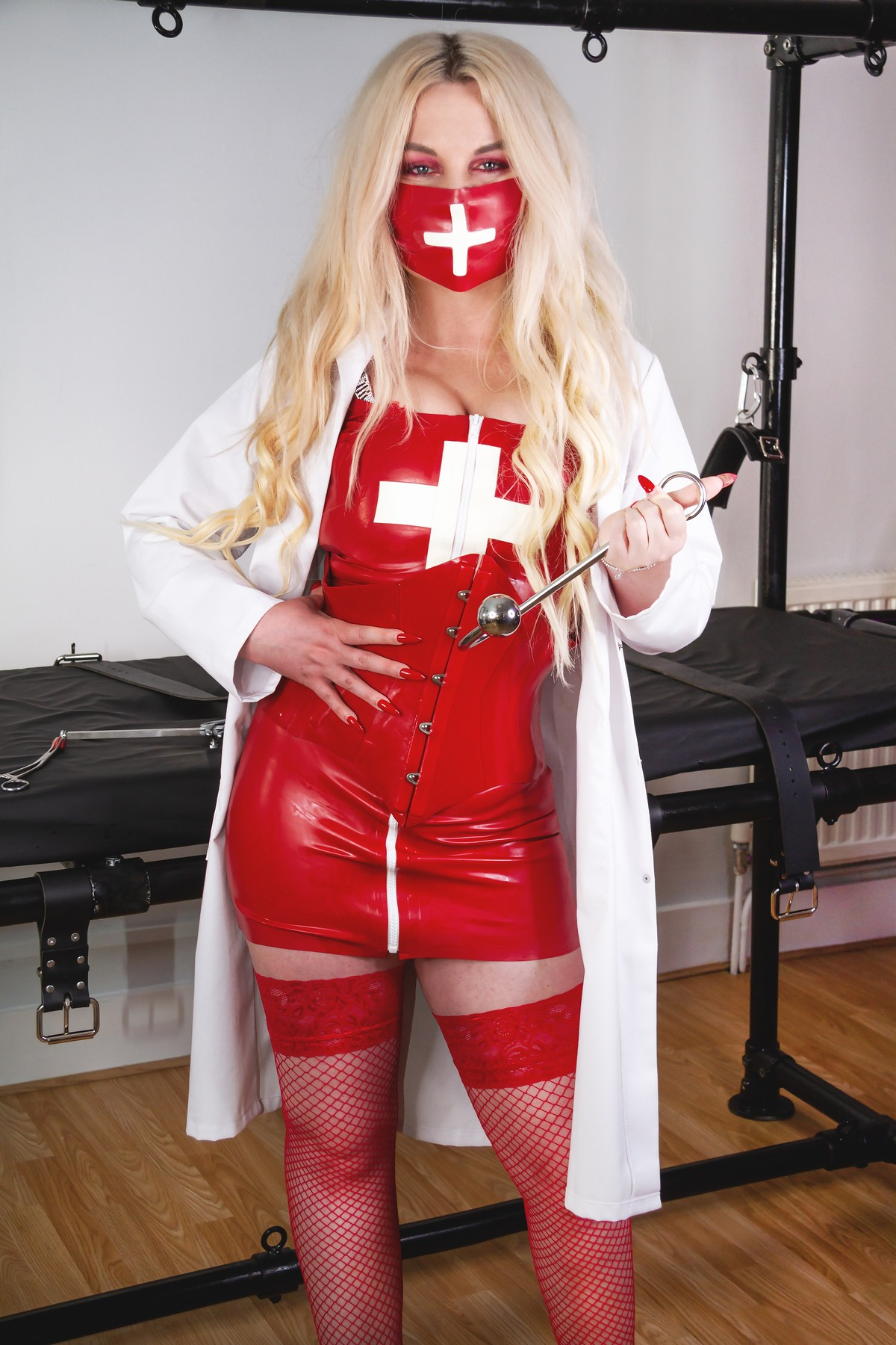 Doctor Alicia waiting to take your fetish temperature